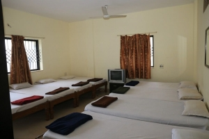 8 BEDDED NON AC ROOM